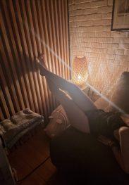 Σε περιμένω στην ζέστη μου κρεβατοκάμαρα υγρή και καυλωμενη. Ελληνίδα 23 ετών